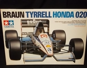 Tamiya 20029     --      Braun Tyrrell Honda 020   ***1:20   (parts off tree)