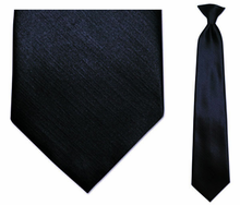 Men�s Wedding Tie Options: Trying to Fit In and Stand Out at the Same Time
