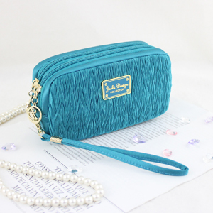 Vintage Allure Cosmetic Bag with Wristlet Turquoise