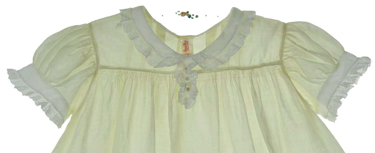 heirloom 1940s pale yellow lace trimmed dress with