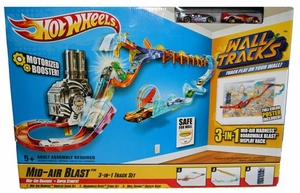 Hot Wheels Wall Tracks Mid-Air Blast Motorized Booster