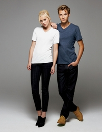 Unisex 100% Combed Ringspun Cotton V-Neck