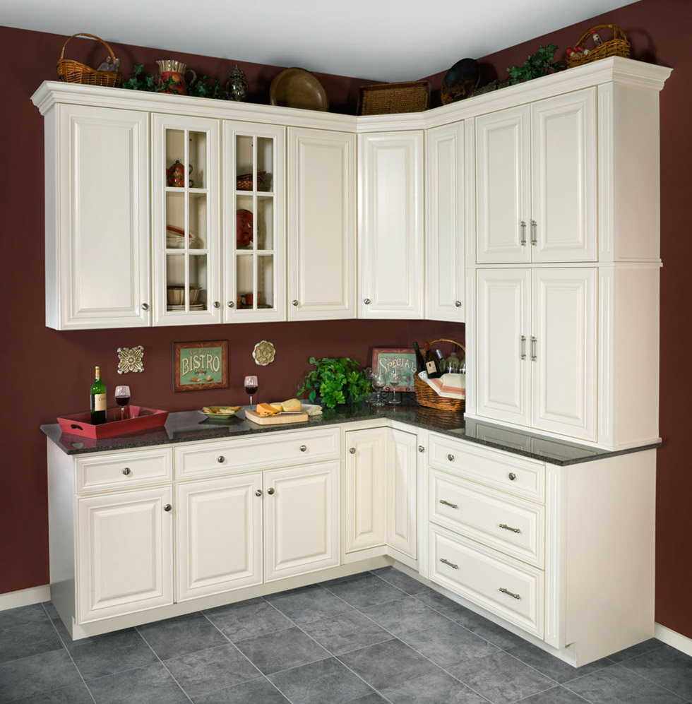 Antique white kitchen cabinets for Full wall kitchen units