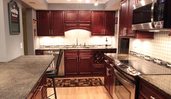cherry glaze kitchen cabinets - Cherry Kitchen Cabinets