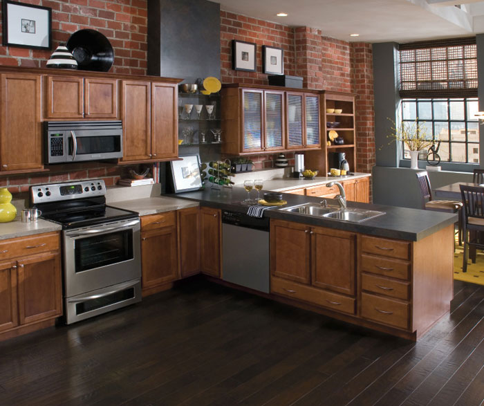Ridgefield Maple Kitchen Cabinets