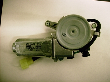 Genuine Mazda Miata Passenger Side Power Window Motor NA025858X