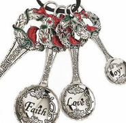 Ganz Measuring Spoons - Christmas Wreaths and Cardinals