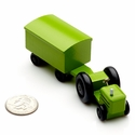 Green Farm Tractor With Covered Trailer - Dregeno Seiffen