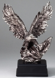 10 INCH ELECTROPLATED ANTIQUE SILVER AMERICAN EAGLE FLAG TROPHY ON BLACK BASE