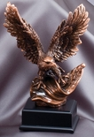 10 INCH ELECTROPLATED ANTIQUE BRONZE AMERICAN EAGLE FLAG TROPHY ON BLACK BASE