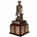 14 INCH MINUTEMAN BRONZE PERPETUAL TROPHY ROSEWOOD BASE WITH 32 NAME PLATES