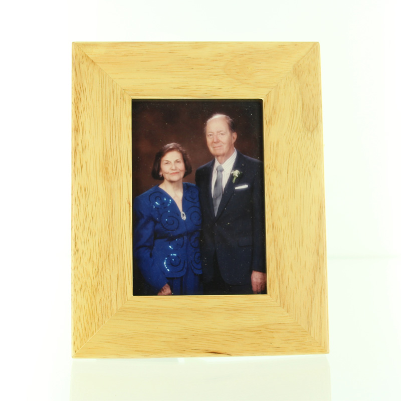 5-7/8 X 7-1/2 INCH ADLERWOOD PICTURE FRAME, HOLDS 3-1/2 X 5 INCH PHOTO