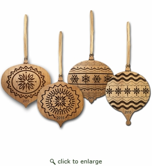 2015 KEEPSAKE ALDER WOOD ORNAMENT GIFT SET