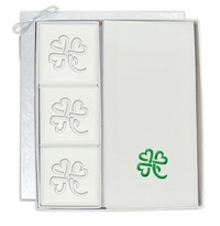 SIGNATURE SPA : COURTESY GUEST SET VERBENA: 3 Bars & 12 Linen Like Towels Personalized with Heart Clover