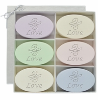 SIGNATURE SPA INSPIRE: LOVE KNOT SOAPS GIFT SET