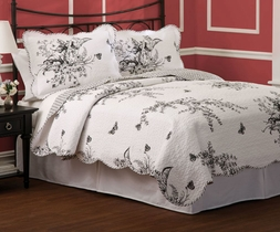 Evans Meadow Black & White Toile Quilt Set