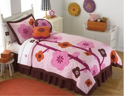Flowers for Hanna Pink Chocolate Quilt Set