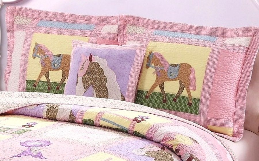 Giddy Up Pony Cowgirl Quilt Set