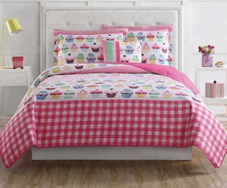 Girls Sweet Cupcake Quilt Set