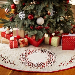 Red Berry Wreath Christmas Tree Skirt