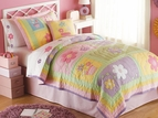 Sweet Helen Pink Flowers Quilt Set