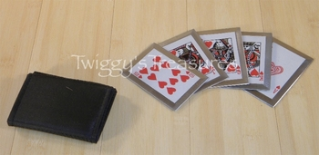Royal Flush Throwing Cards Hearts JL-SS5R