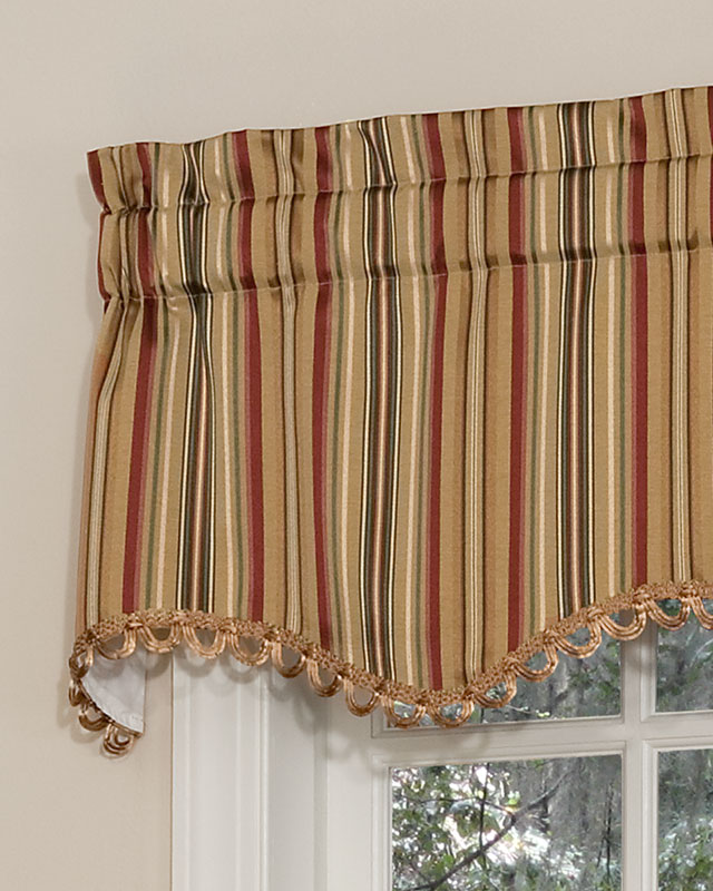 Scalloped Valances For Windows : Cathedral scalloped valance pretty windows