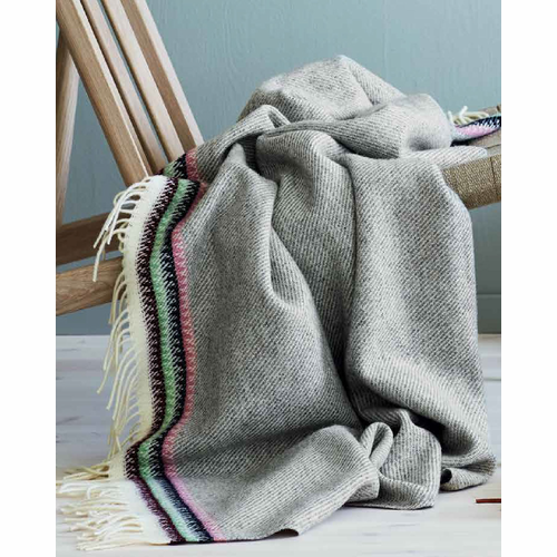 Åkle Wool Throw with Fringe
