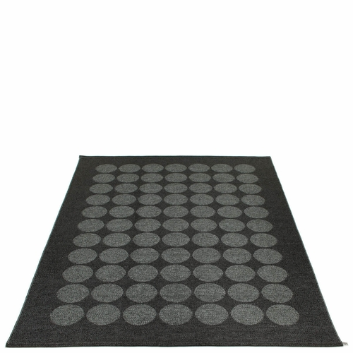 Pappelina Hugo Plastic Rug - Black Metallic/Black, 6' x 8 1/2'