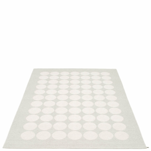 Hugo Plastic Rug - White Metallic/Fossil Grey, 6' x 8 1/2'