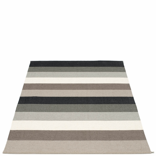 Molly Plastic Rug - Mud, 4 1/2' x 7 1/4'