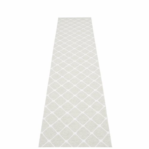 Pappelina Rex Plastic Rug - Fossil Grey/White, 2 1/4' x 11'