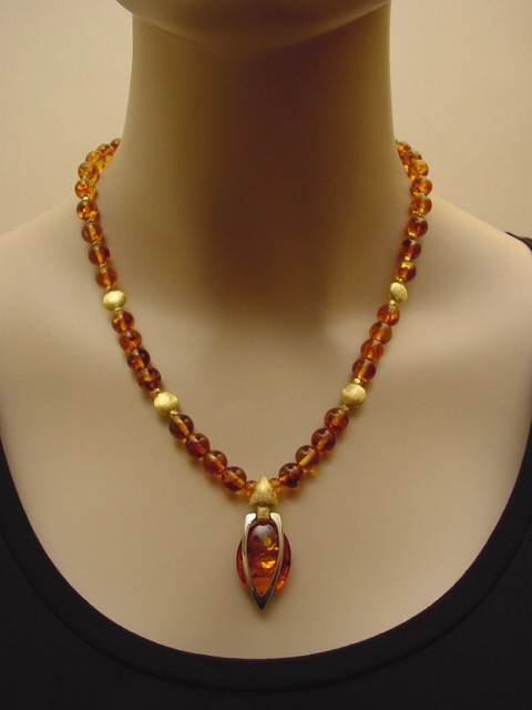 Stylish Baltic Amber Necklace with Unique Handcrafted ...