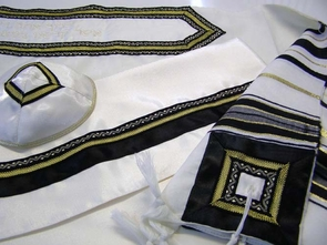 Classic wool tallit black and gold