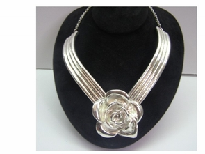 Sterling Silver Flower choker
