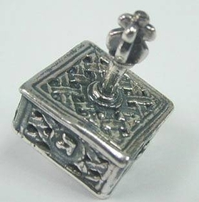 Sterling Silver Knitted Hanukkah DreidelYemenite Square Small Dreidel