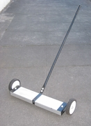 "24"" Magnetic Floor Sweeper"