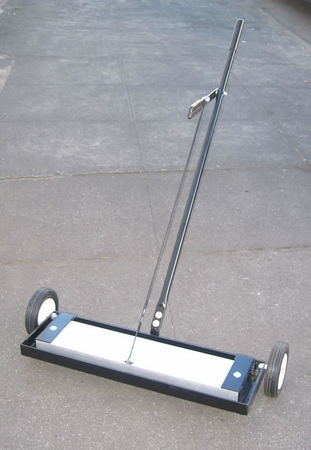 """24"""" Magnetic Floor Sweeper with Release"""