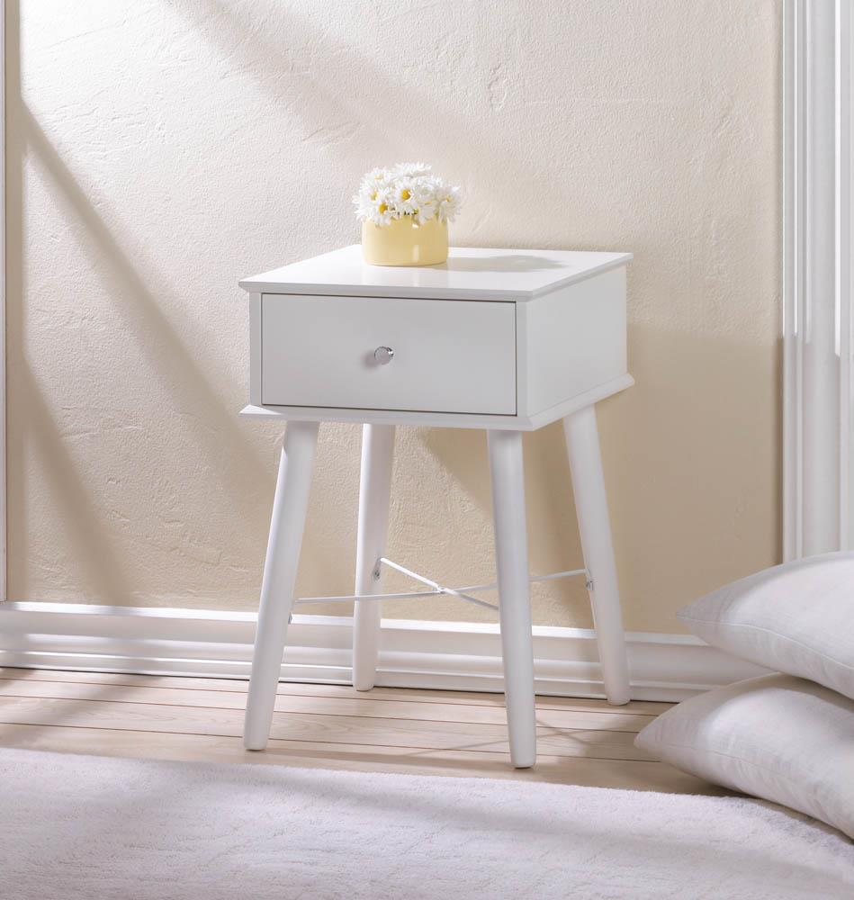 Modern chic side table wholesale at koehler home decor for Koehler home decor