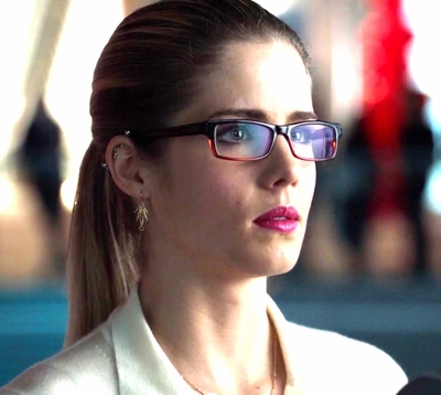 "02x13 ""Heir to the Demon"" Felicity spark"