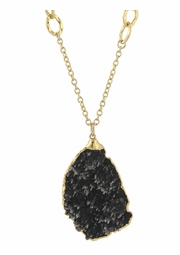 Dark Beauty Necklace