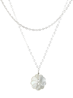 Single Pearly Flower Necklace
