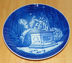 1988 Collector Plate B&G Annual Christmas Plate In The Kings Garden