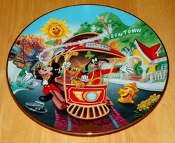 Disney Collector Plate Mickey's Toontown Issue 4 of 12 Disneyland's 40th Anniversary Series