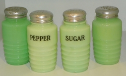 Jeannette Glass  Four Shakers Pepper Sugar & Two with No Label Jadite SOLD