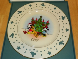 Lenox Annual Limited Edition Disney Holiday Plate 1997 Trimming Trio Mickey Out of Stock