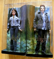 Twilight Saga Barbie Doll Edward and Bella Pink Label 2009 NRFB SOLD