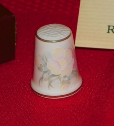 Wild Rose Royal Court Porcelain England Thimble Collectors Club
