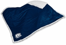 Connecticut Huskies Sherpa Throw Blanket