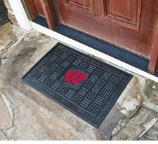 Wisconsin Badgers 19x30 Medallion Door Mat